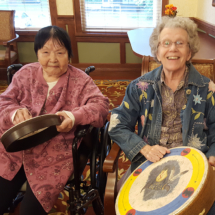 WillowsofRamseyHill_seniorliving_Drumming-circle